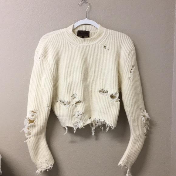 07c5395887c31 YEEZY Season 3 White Ripped Sweater. M 5a591c1f739d48145879cdba